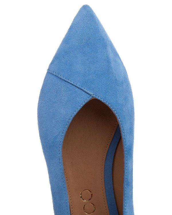 Blue suede ballerina with natural